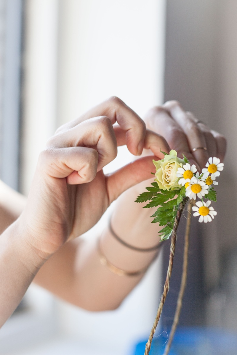 BLOOM: MAKING FLOWER CROWNS WITH LA VIE ROSIE | thenotepasser.com