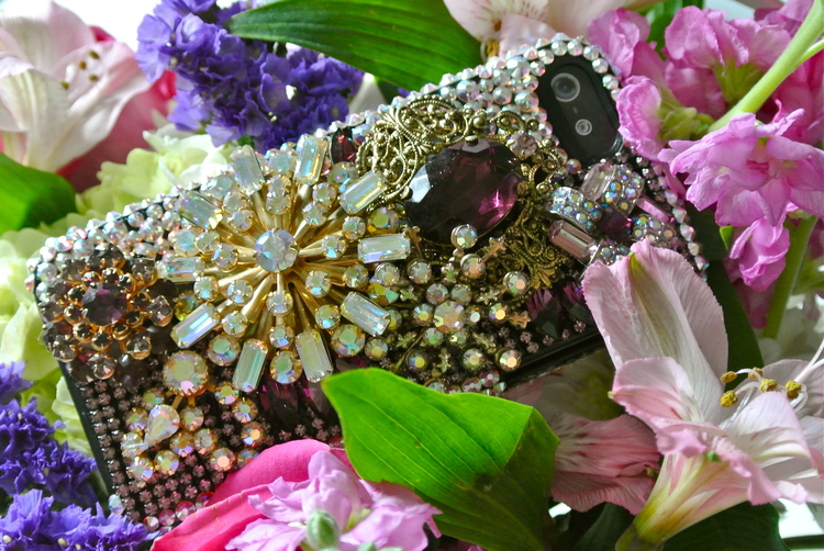 Swarovski-encrusted-iphone5-case-lola-8.19.13.JPG