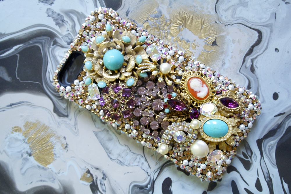 Custom-Swarovski-Encrusted-iphone-case-9.11.15.jpg
