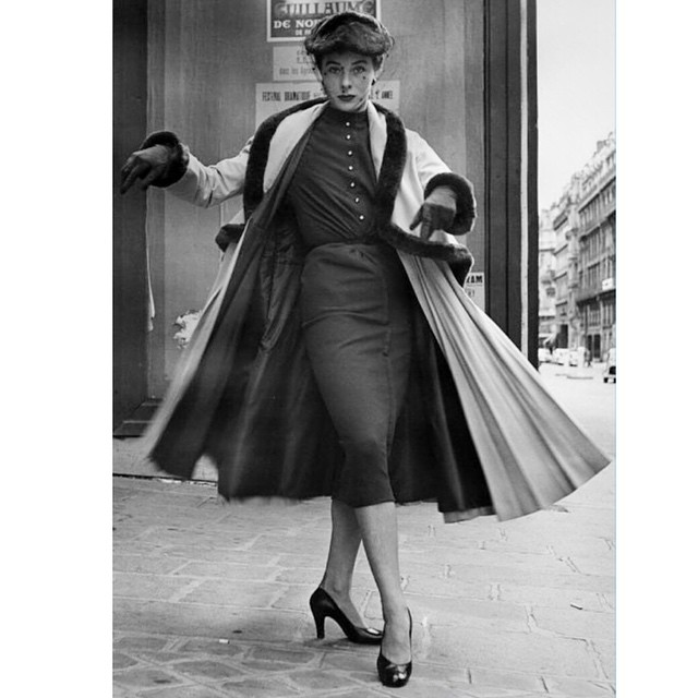 Sashay! Shantay! #youbetterwork .    A little #twirl and Vintage Hat Inspiration is all you need to cheer you up on a rainy day. The hat makes it, Right?!!  _____________________________________  #harpersbazaar #vintagestyle #vintagehat  #50s #blackandwhite #tbt #hat #fashionphotography