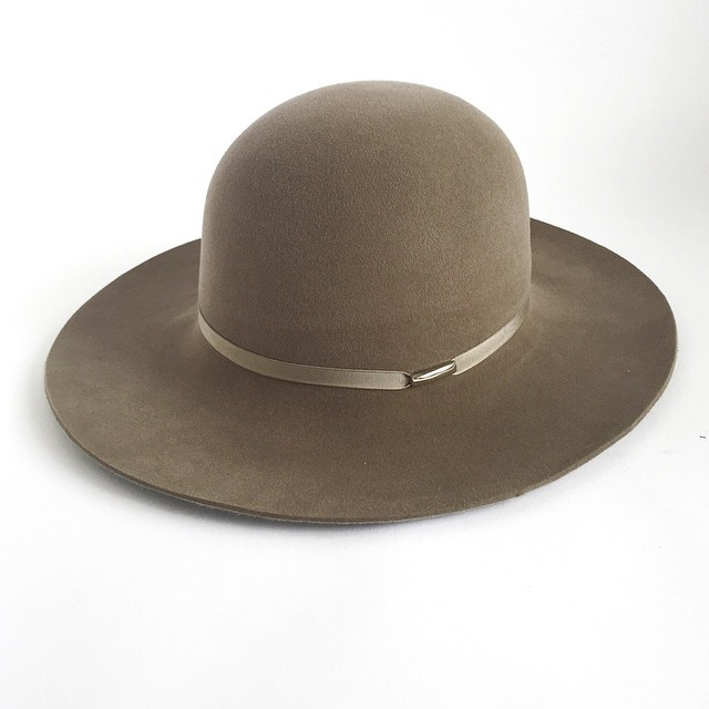 Beige is so underrated.   Some find it boring but I find it beautiful.    The Traveller - available in other colors including beige. #unahats    #millinery #milliner #widebrimhat #felthat