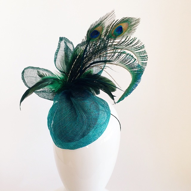 Oh you fancy huh🎶 you fancy huh    Will be available @blockpartyhandmade   #louisville #kentucky . One of a kind✨    ______________________________________  #fascinator #kentuckyderby #racingfashion #fashionattheraces #teal #peacock #headpiece #handmade #bespoke #oneofakind #unahats #fancy #feathers #peacockfeathers #peacock #madeinLa #losangeles #dtla