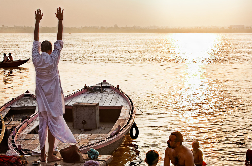 Morning worship, Assi ghat, Varanasi, India
