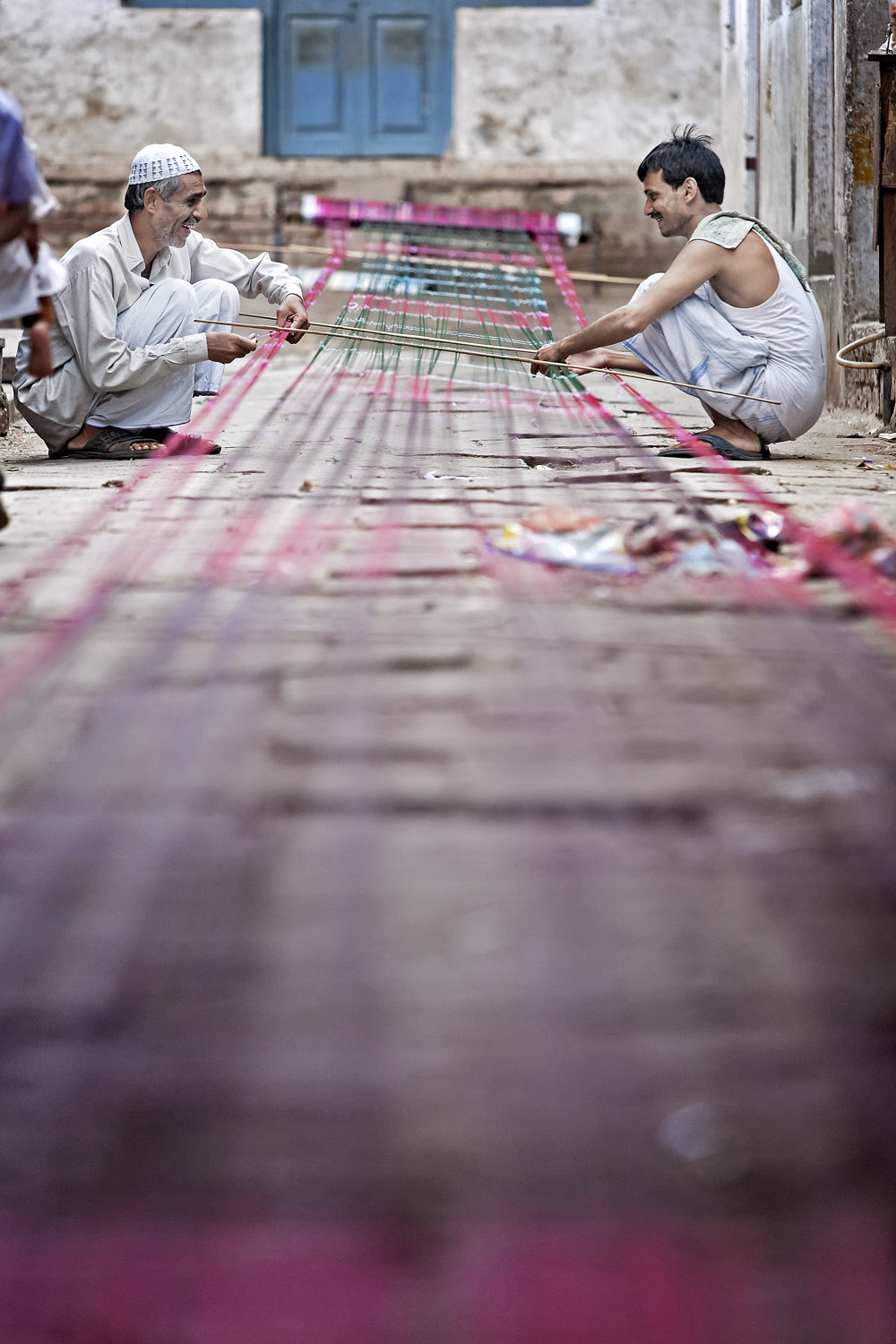 Stretching the silk, Varanasi