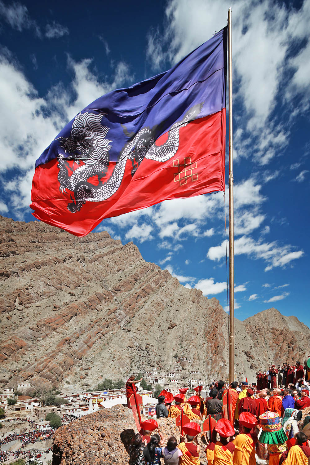 Raising the Drukpa flag, Hemis Monastery