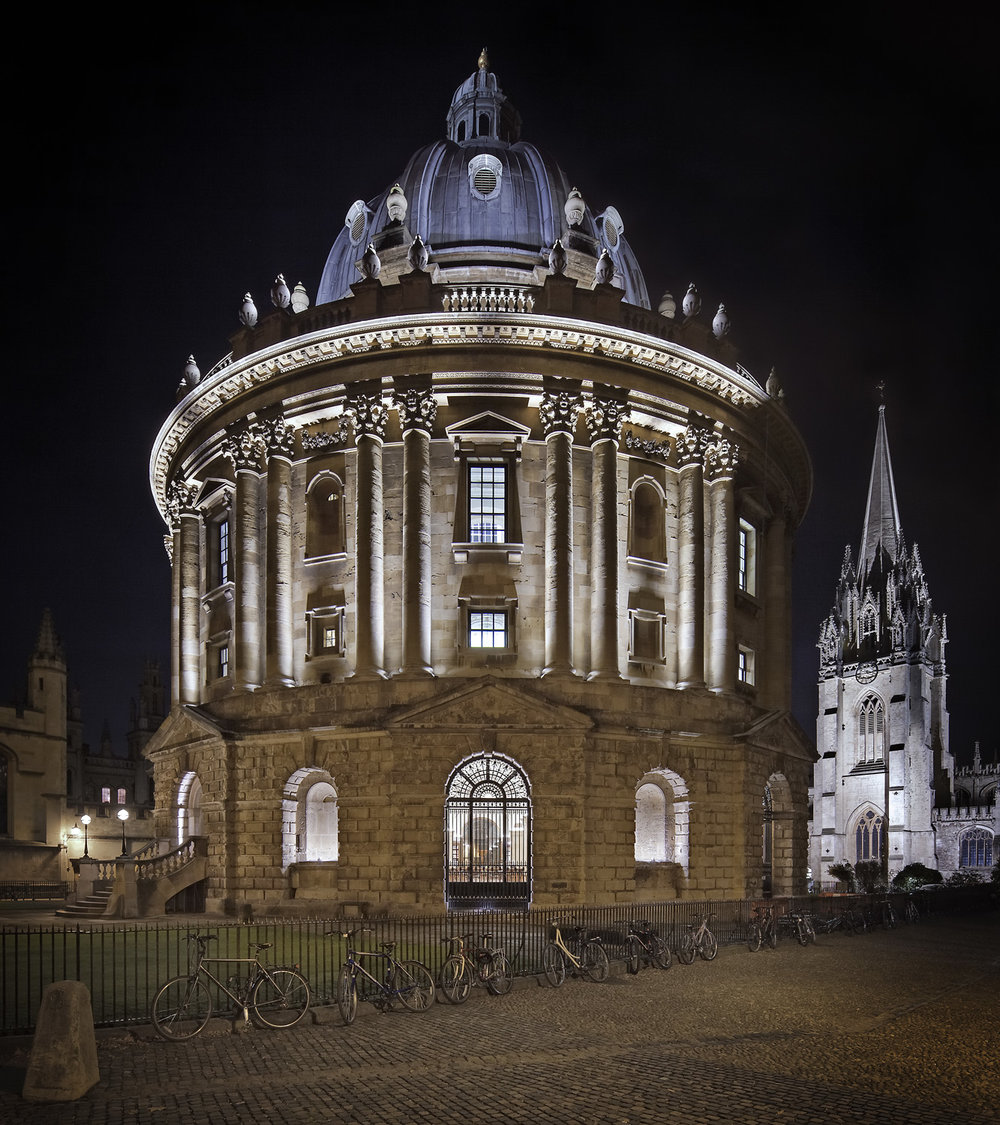 The Radcliffe Camera in Oxford lit up for the 2017 Night of Heritage Light.