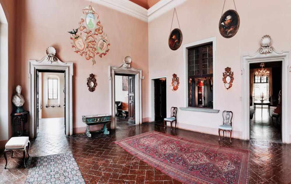Galleria, Palazzo Monti, Nigoline, Italy