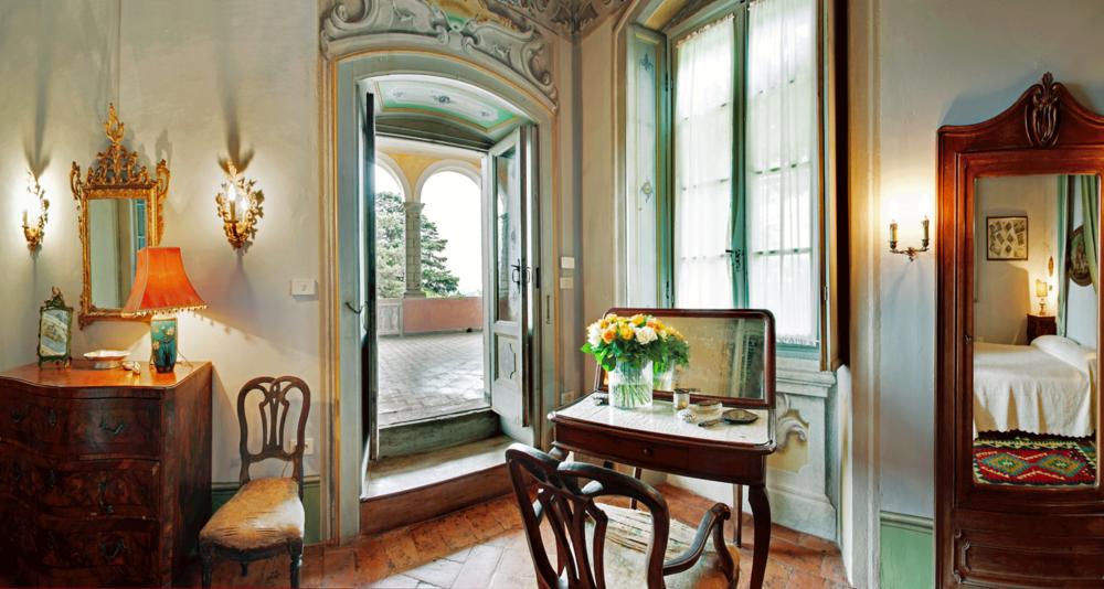 Bedroom, Palazzo Monti, Nigoline, Italy