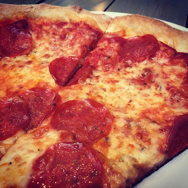 I love you, food. *hugs pizza* #🍕