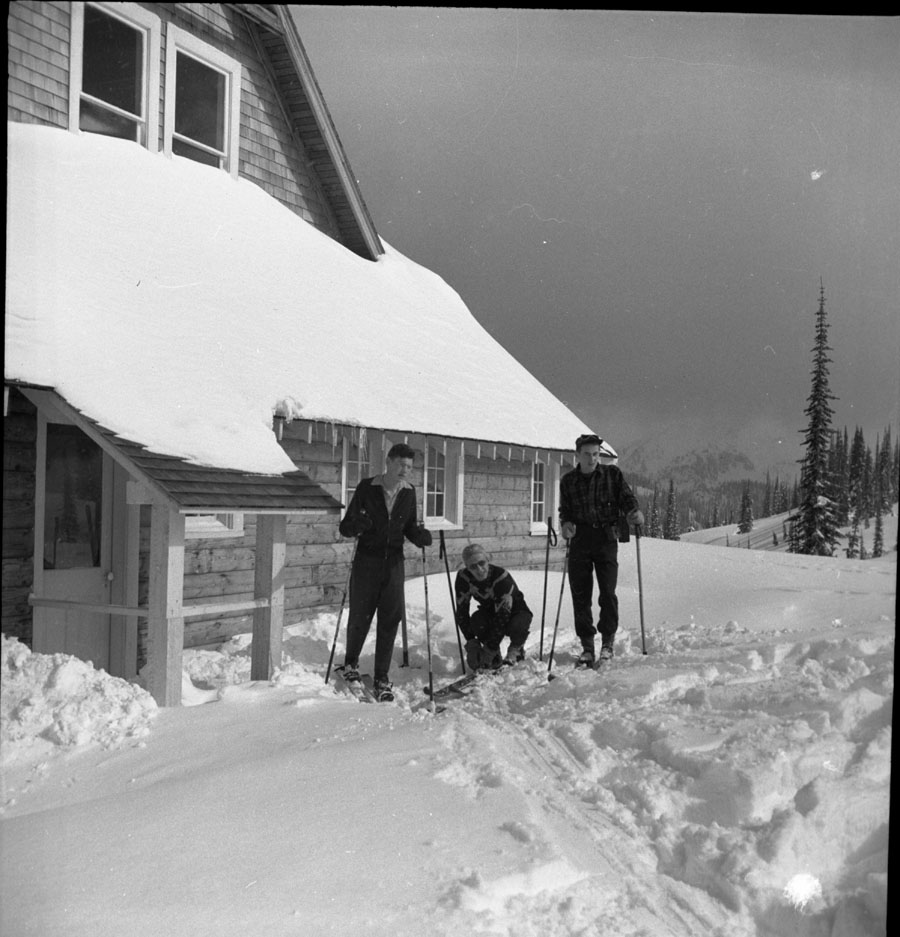 Skiers at Heather Lodge [DN-160]