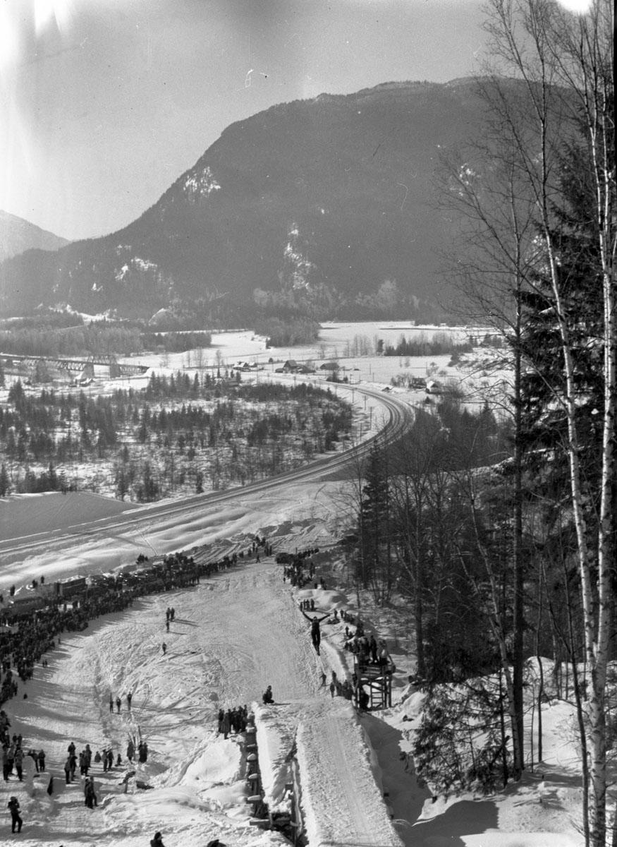 Western Canada Ski Meet [DN-363]
