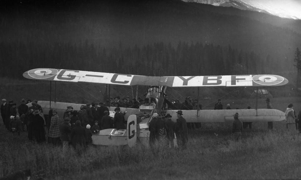 First Transcontinental Flight at Revelstoke, 1920 [DN-659]