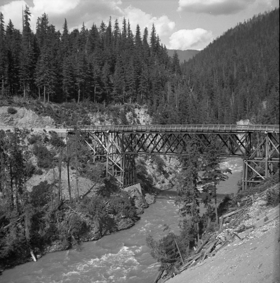 Bridge Over Goldstream [DN-322]