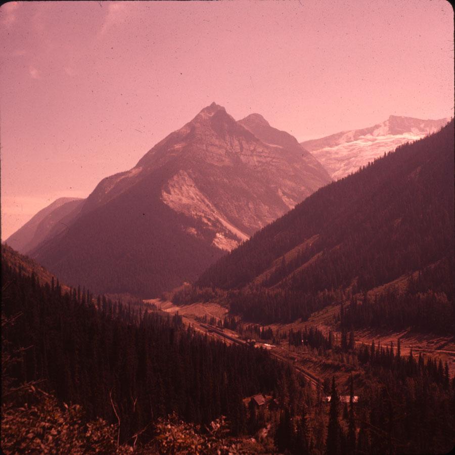 Ross Peaks and Bonny Glacier [DC2-75]