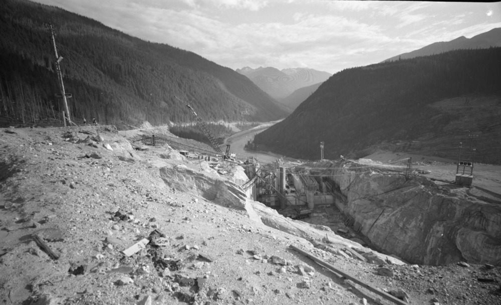 Mica Dam Construction [DN-329]