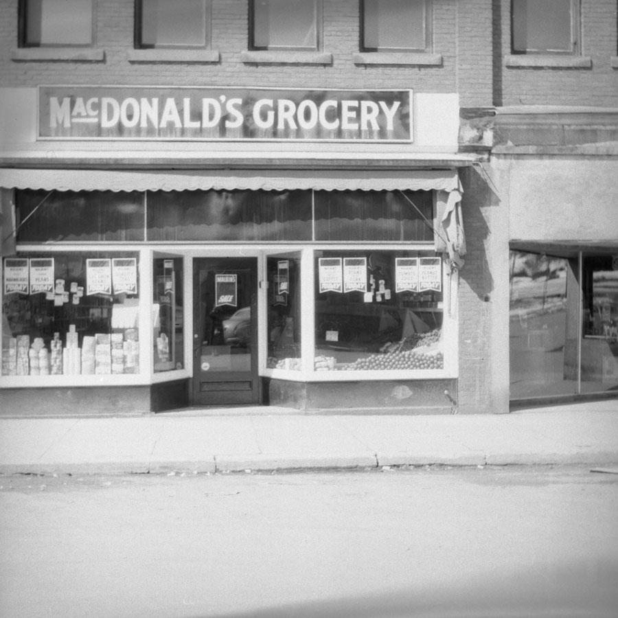MacDonald's Grocery Store [DN-677]