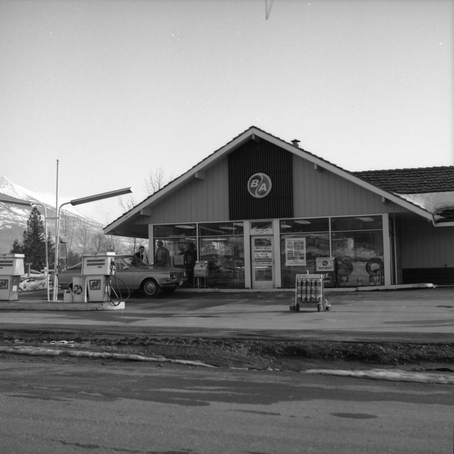 B.A. Gas Station [DN-783]
