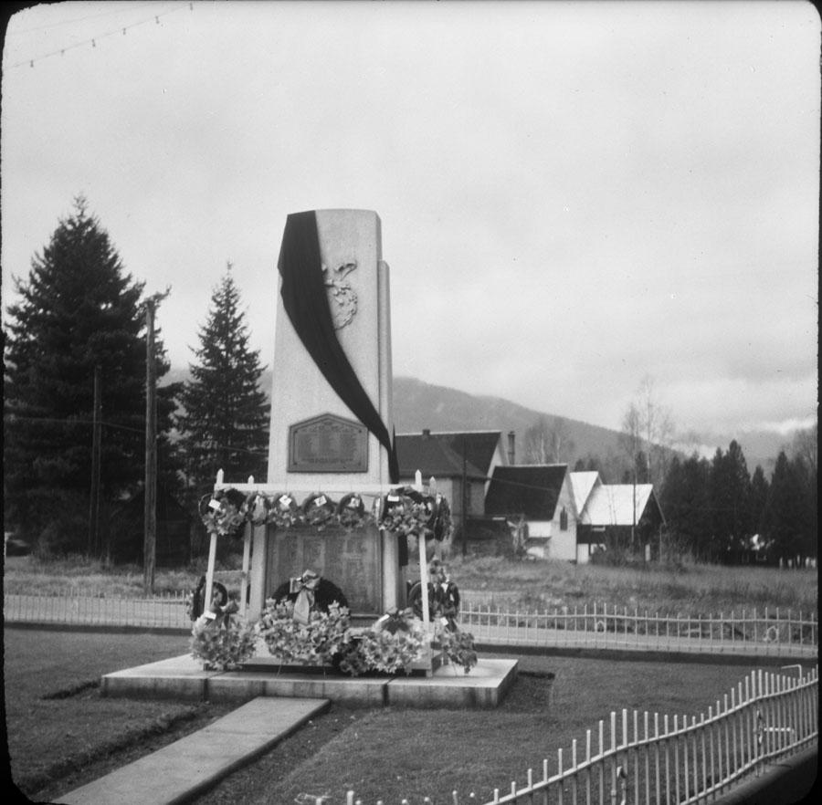 Cenotaph, 1950s [DN-103]