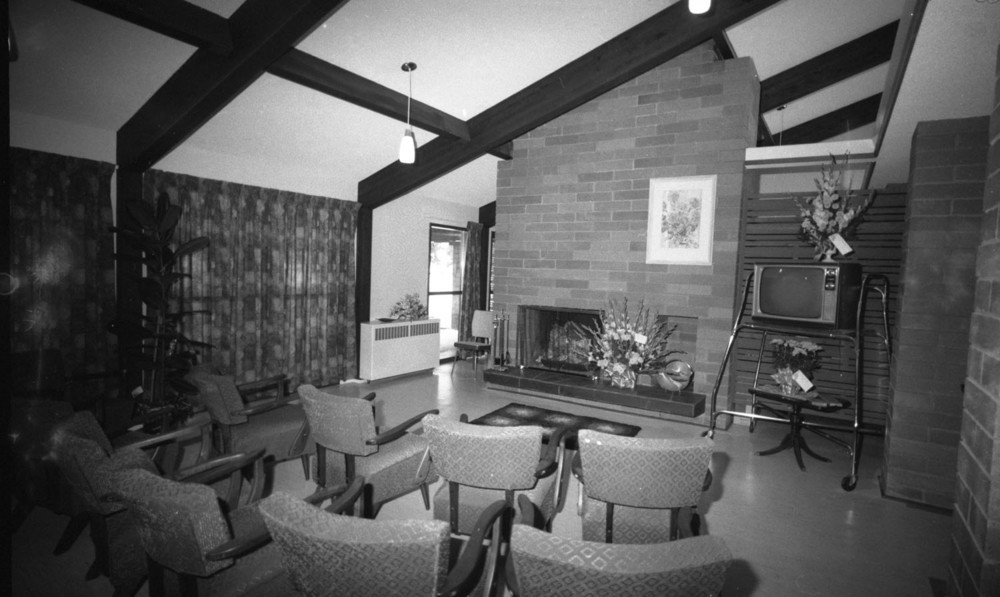 Moberly Manor Interior [DN-607]