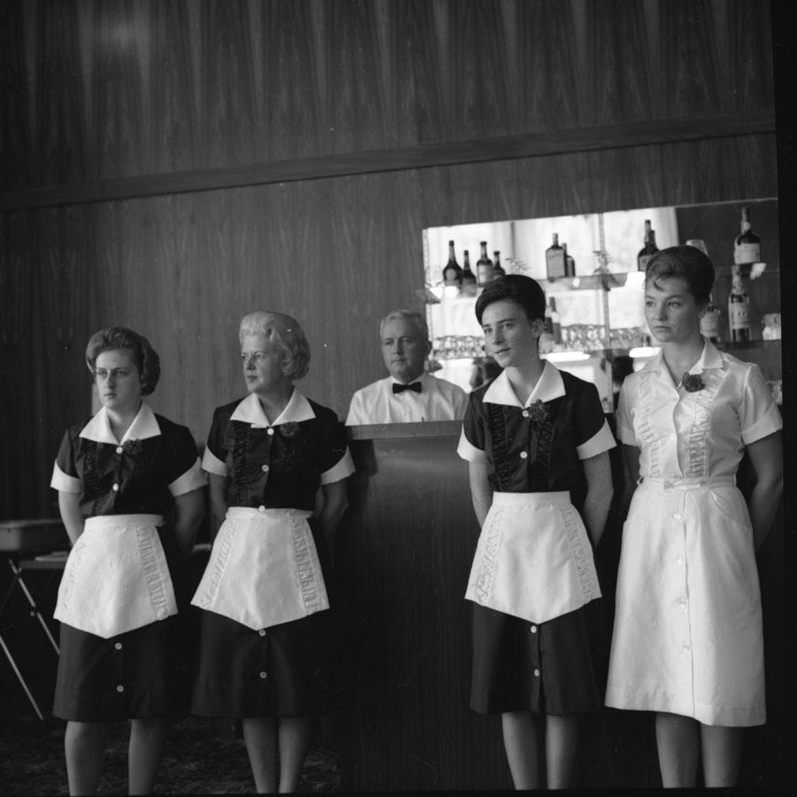Northlander Motor Hotel Bar [DN-549]