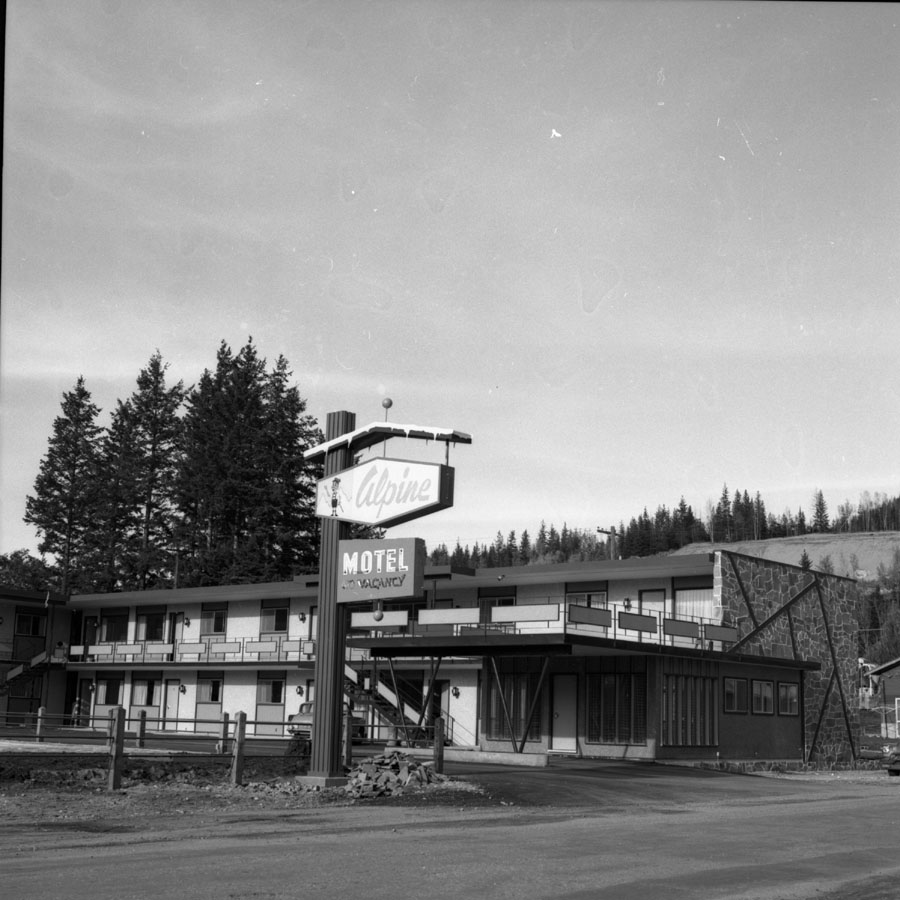 Alpine Motel [DN-757]