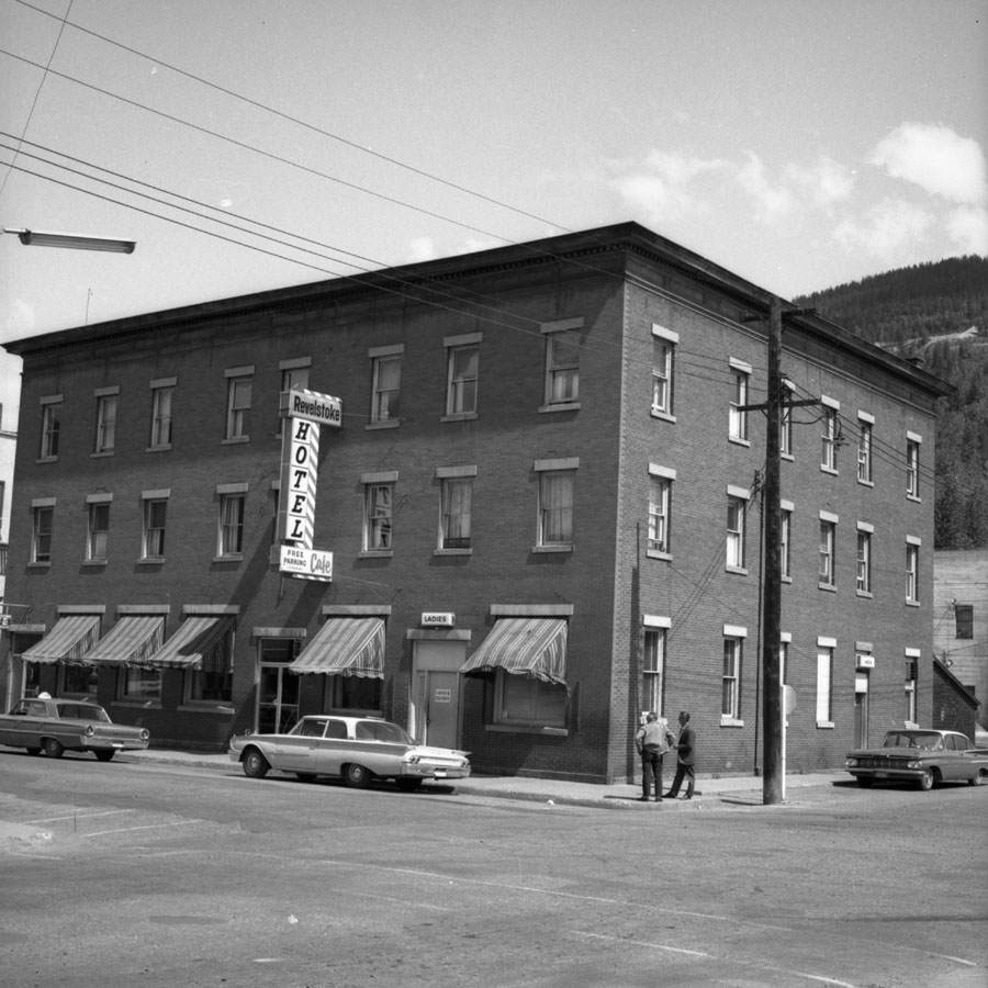 Revelstoke Hotel [DN-762]