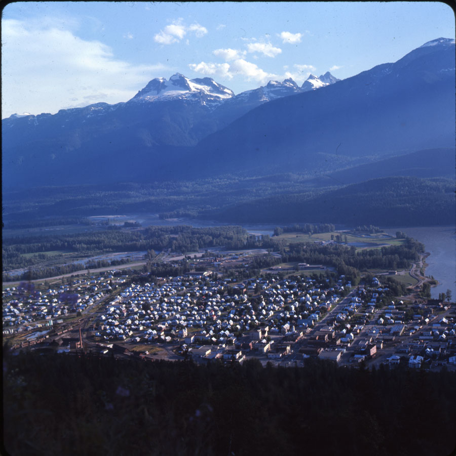 Panorama of Revelstoke [DC2-30]