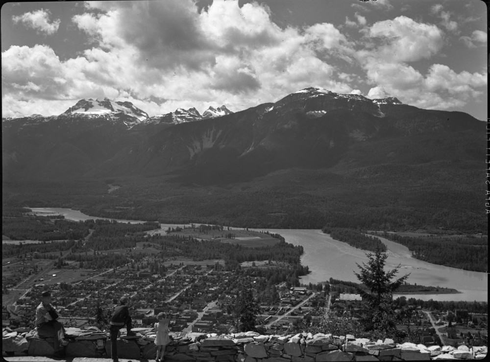 Panorama of Revelstoke [DN-18]
