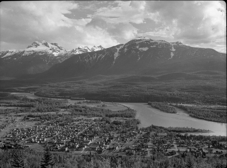 Revelstoke from 5-Mile Lookout [DN-29]