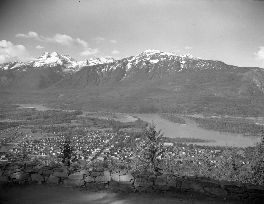 Panorama of Revelstoke [DN-46]