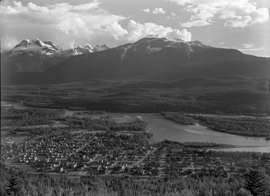 Panorama of Revelstoke [DN-69]