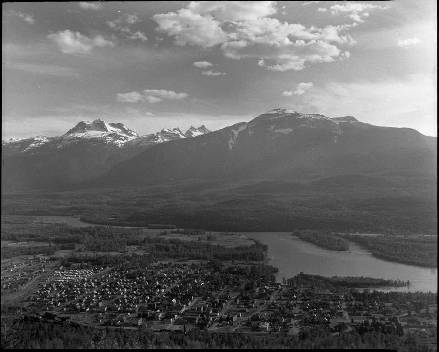 Panorama of Revelstoke [DN-68]