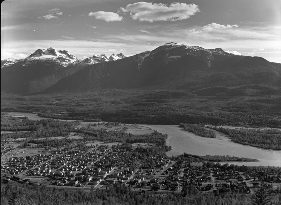 Panorama of Revelstoke [DN-109]
