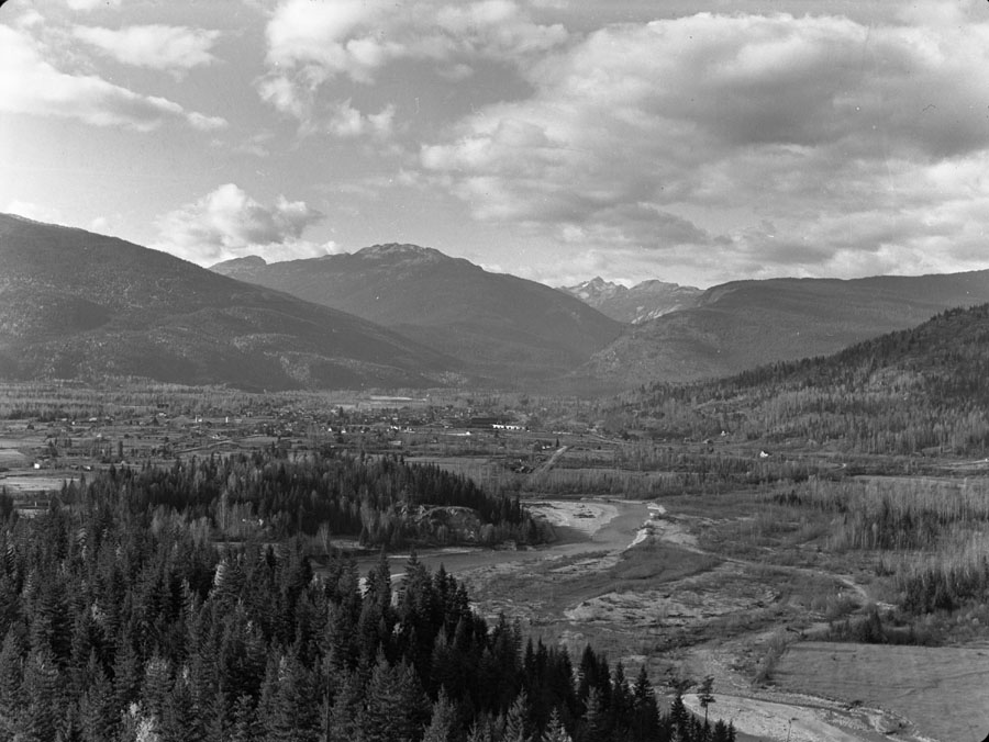 Panorama of Revelstoke [DN-330]