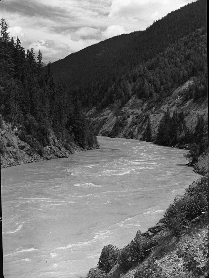 Columbia Canyon Petite Dalles [DN-215]