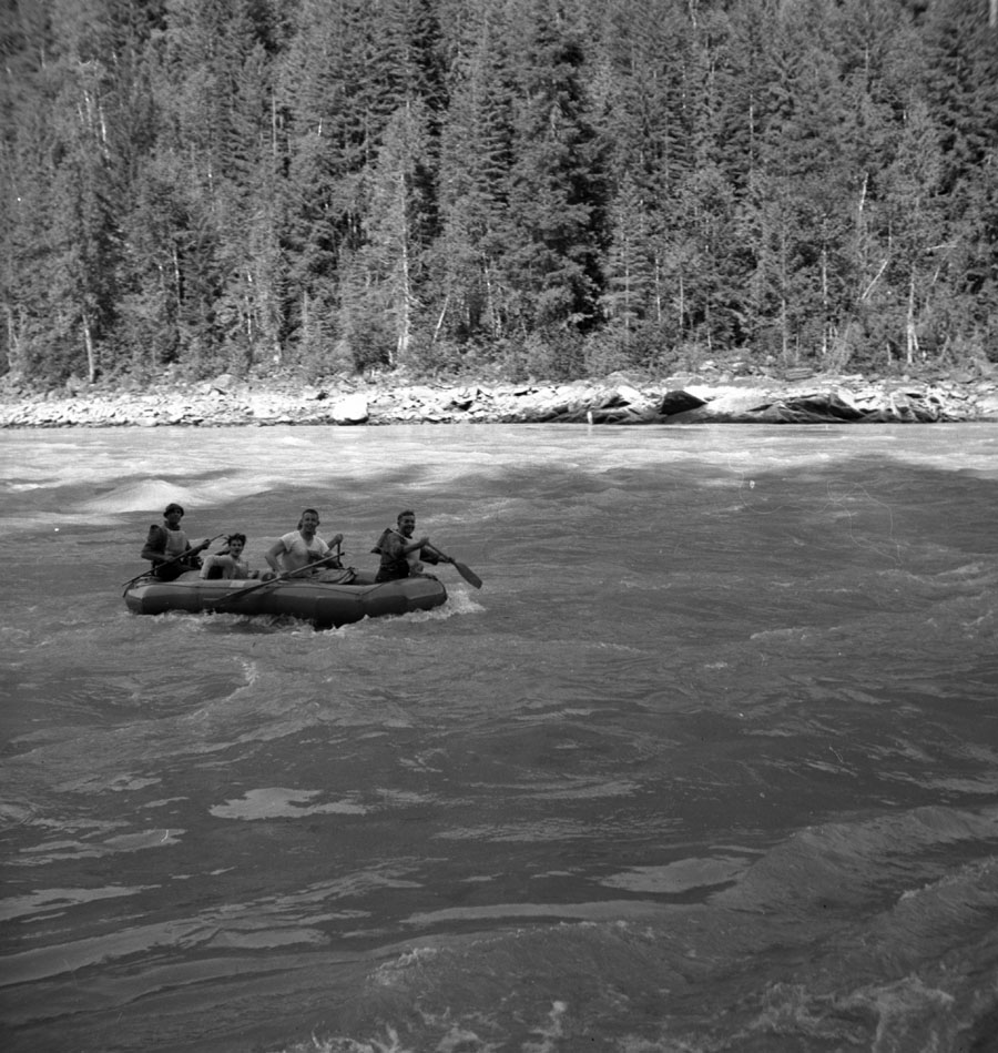 Rubber Raft at Death Rapids [DN-390]