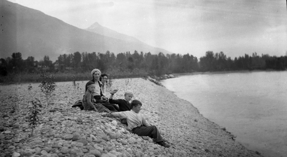 Columbia River, c. 1920 [DN-987]
