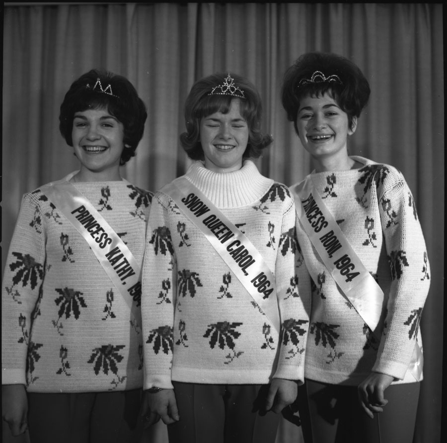 Snow Queen and Princesses, 1964 [DN-221]