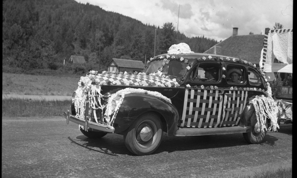 Golden Spike Parade, 1945 [DN-715]