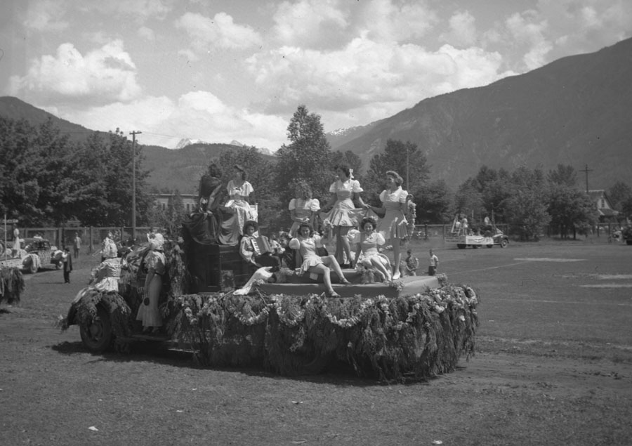 Golden Spike Parade, 1945 [DN-721]