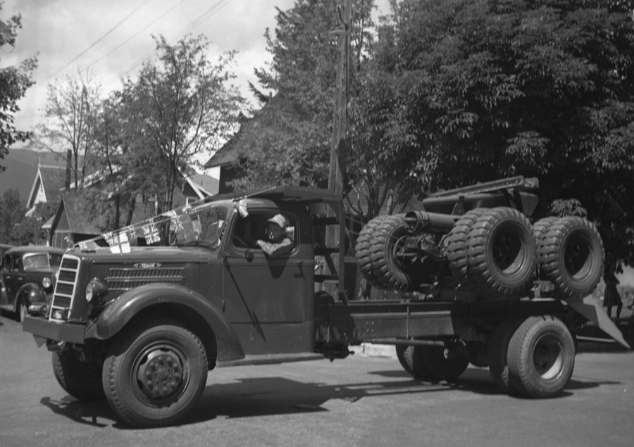 Golden Spike Parade, 1945 [DN-723]
