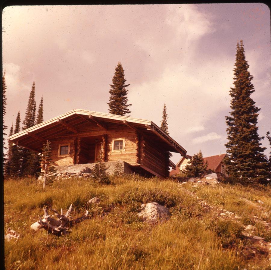 Cabin Mt. Revelstoke Summit [DC2-69]
