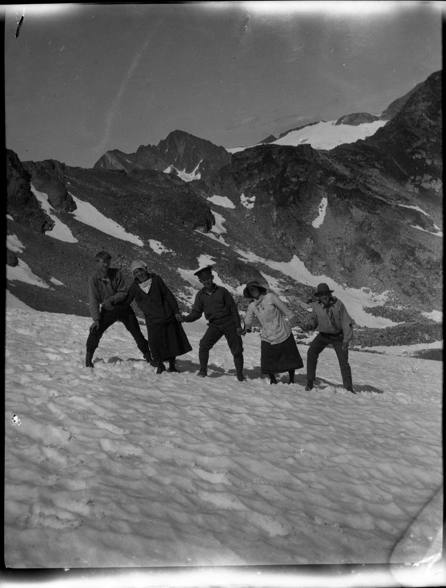 Group on Glacier [DN-3]
