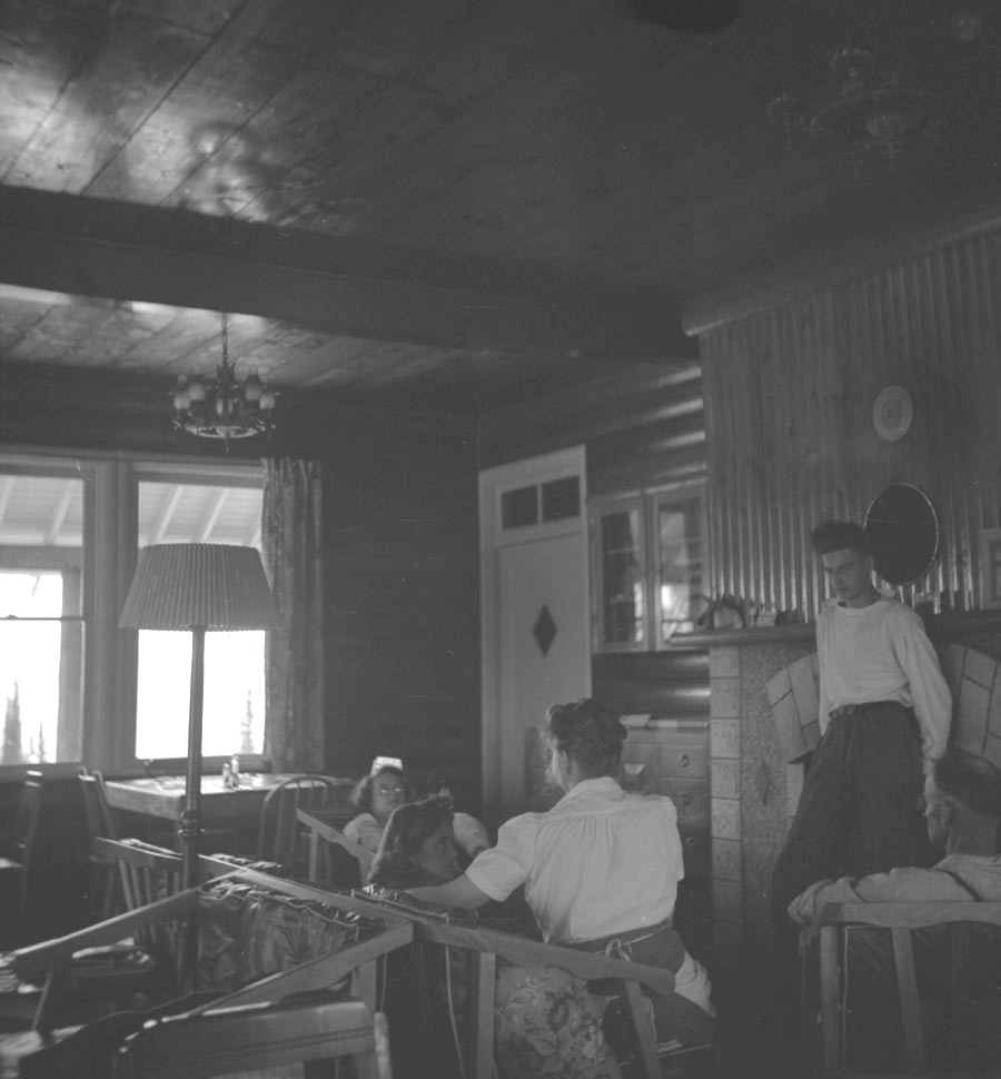Interior of Heather Lodge [DN-386]