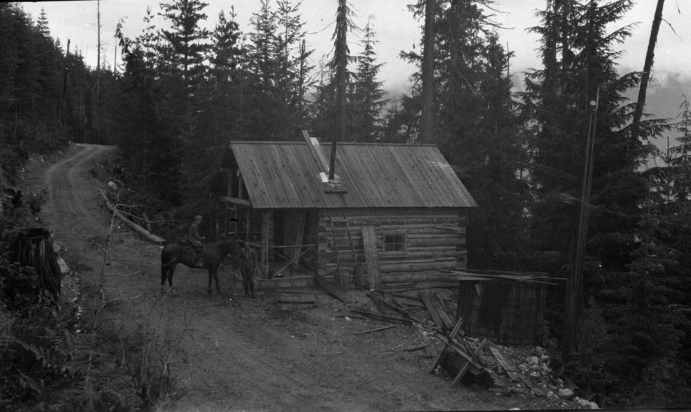 Field Cabin [DN-400]