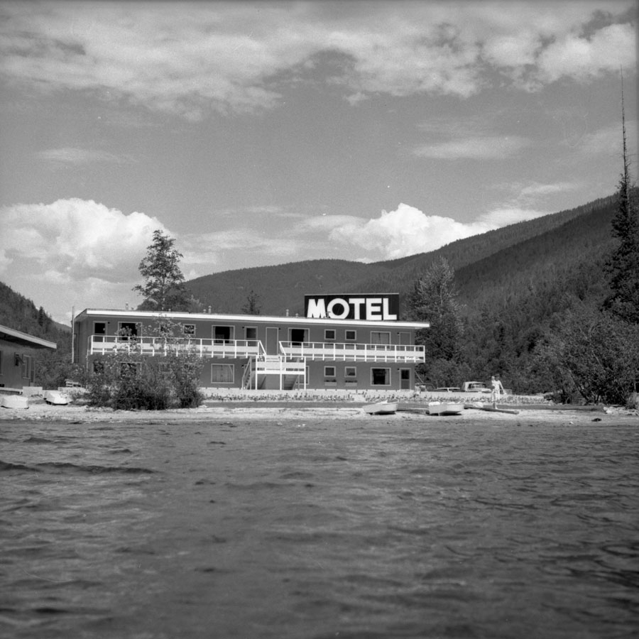 Three Valley Gap Motel, 1961 [DN-940]