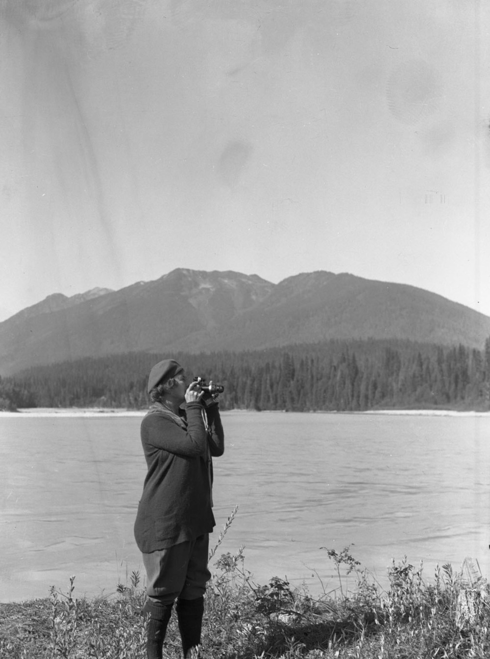 "Mrs. Akeley with her ""telephoto"" [DN-488]"