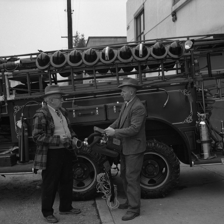 Sam Needham Jr & Sr, Fire Truck [DN-750]