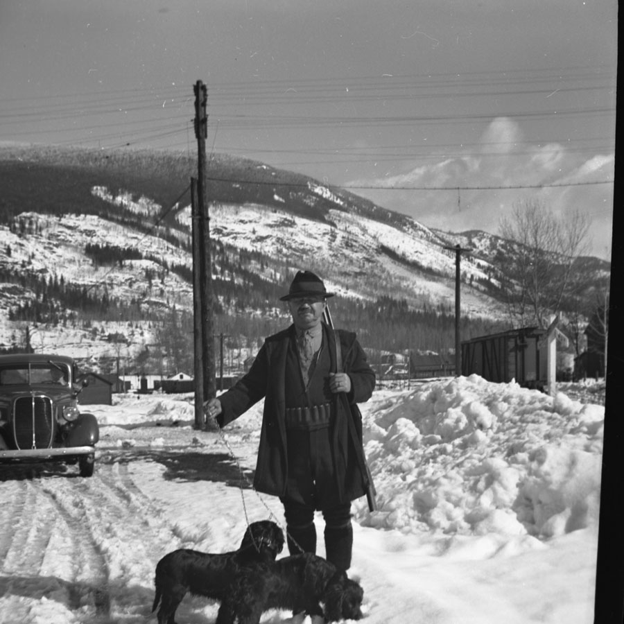 Carmine Desimone and Dogs, 1940 [DN-850]