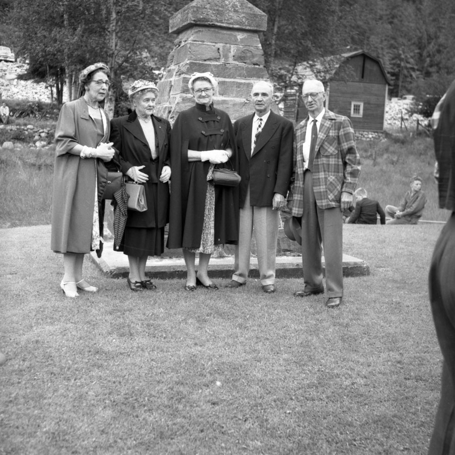 Fraser Family at Craigellachie, 1958 [DN-883]